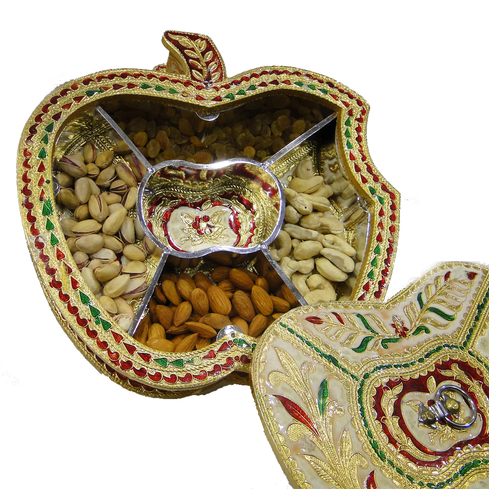 Indian Wedding Return Gift Ideas: This Gift Box With Meena Work Is Available At Boontoon.com