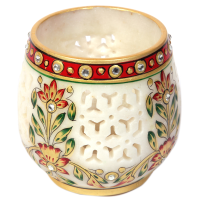 beautifuly crafted Jaalidaar marble candle stand