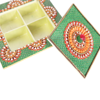Kundan arted dry fruit box