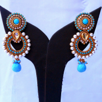 Pair of turquoise fashion earrings