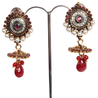 Royal white & red pair of earrings