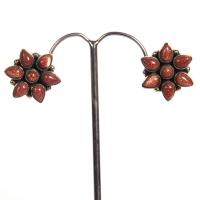 Star shaped studded earrings