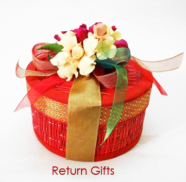 Unique Wedding Return Gifts : ... the corner, its high time to hunt for unique wedding return gifts
