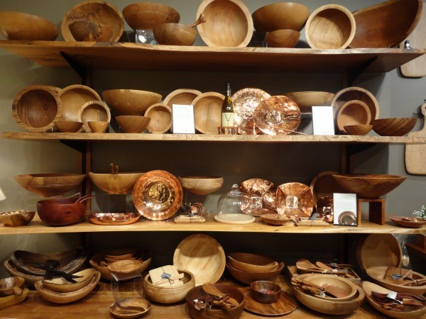 Wood-Dinnerware & Top 6 Indian states manufacturing handicrafts - Gift giving is a ...